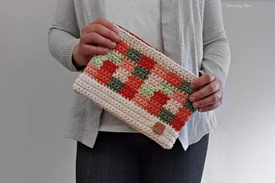 Crochet Picnic Clutch Pattern