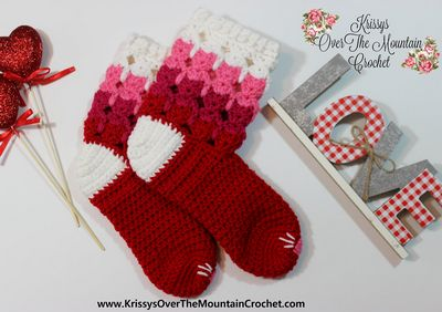 Free Crochet Kitty Cuff Socks Pattern